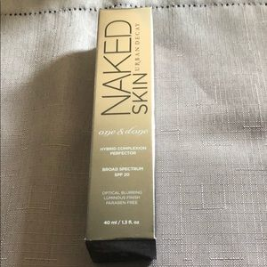 Urban Decay Naked Skin One and Done-medium light